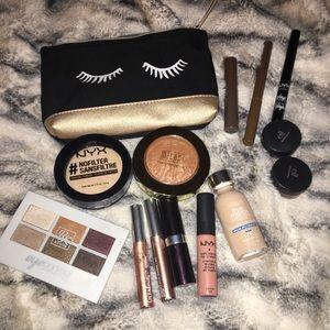 Makeup bundle✨